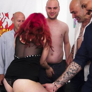 Valentina Palermo Hot Gang